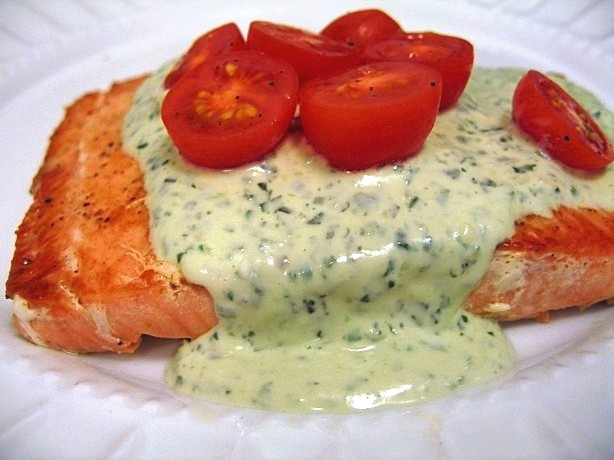 Grilled Salmon with Creamy Pesto Sauce Recipe 1